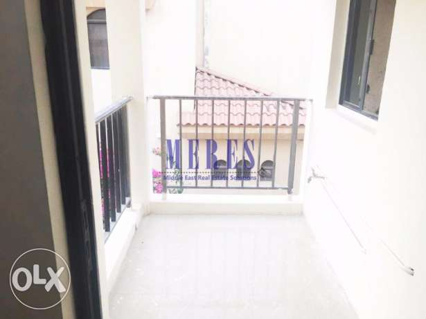 3 Bedroom Unfurnished Flat in Old Airport