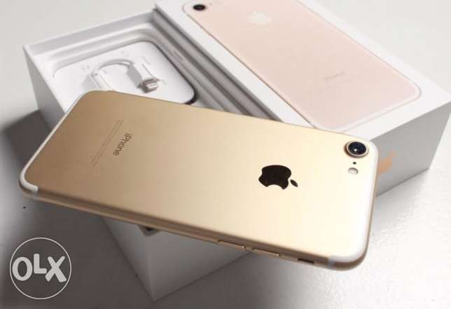 IPhone 7, 32GB-Gold. 1 day used. 1 year warranty.