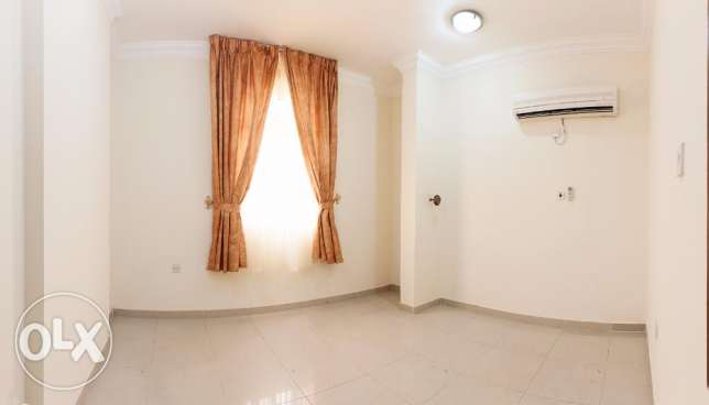 Unfurnished 2 Bedroom Flat in Al Sadd