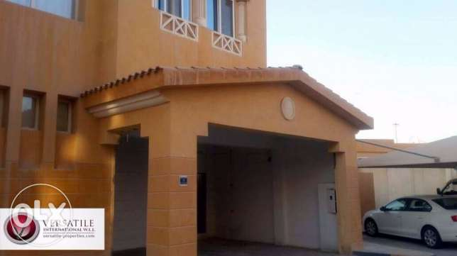 Semi Furnished 7-Bedrooms Villa in Ain Khaled For Bachelors عين خالد -  1