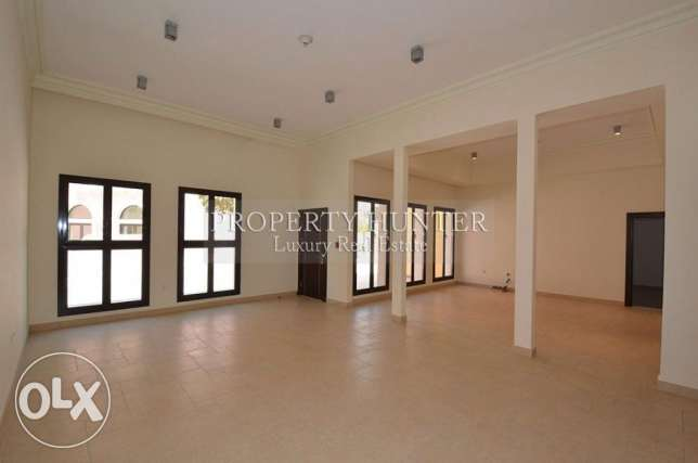 For sale 3 bed duplex in Qanat Quartier الؤلؤة -قطر -  2