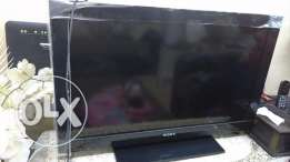 Sony Bravia lcd TV very good condition with box and all accessories