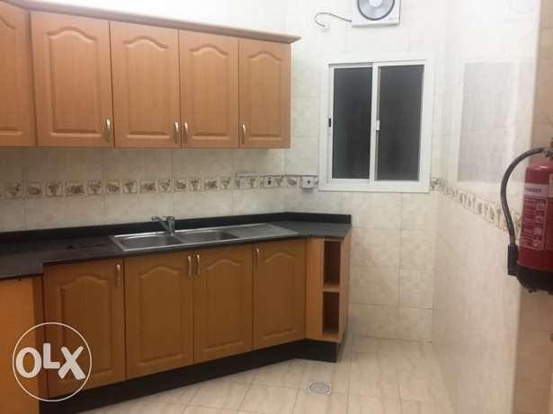 2 BHK Unfurnished Flat in Muntaza (near Health Center)