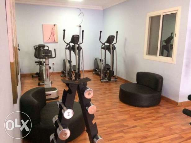 FF 3-BR Flat in AL Nasr,Pool, Gym