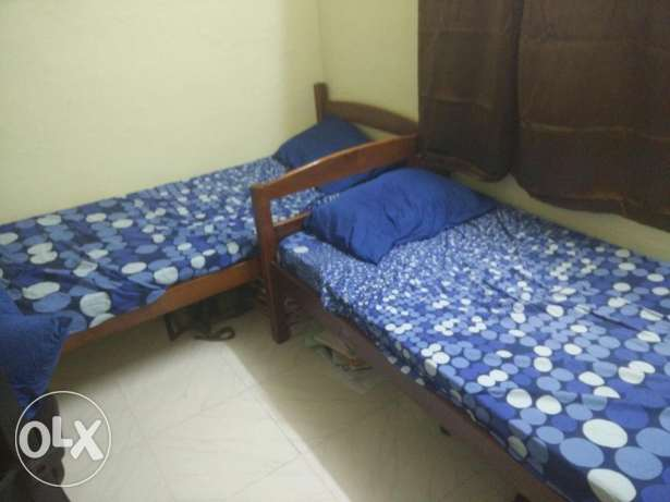 2 twin beds for sale in excellent condition