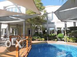 Grand Designs semi commercial villa for rent