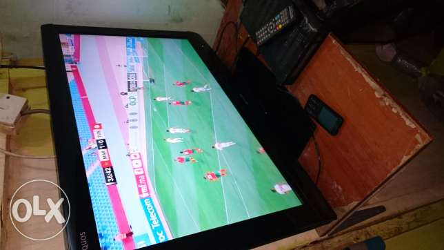 "Sharp lcd tv 32"" for sale"