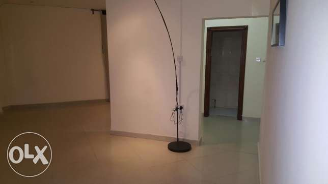 For rent in al dafna clean house 5000Qar