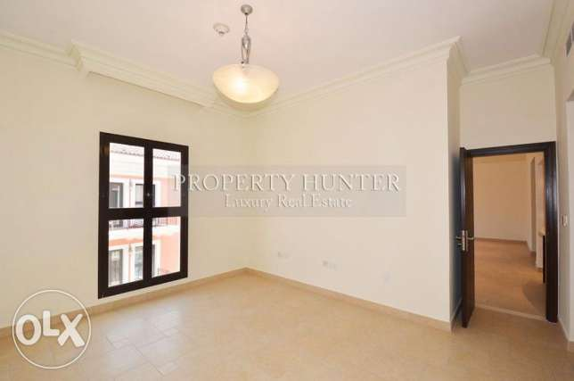 3 BR home in Qanat Quartier +Water views الؤلؤة -قطر -  4