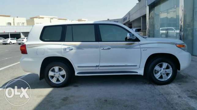 Toyota Land cruiser 2013 GXR V6 Low mileage