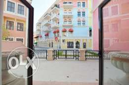 3 Bedrooms Townhouse with Colorful Views + 1 month free