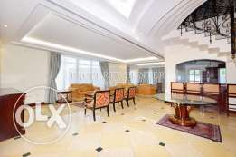 Luxurious and Stylish 4 Bedroom Apartment in