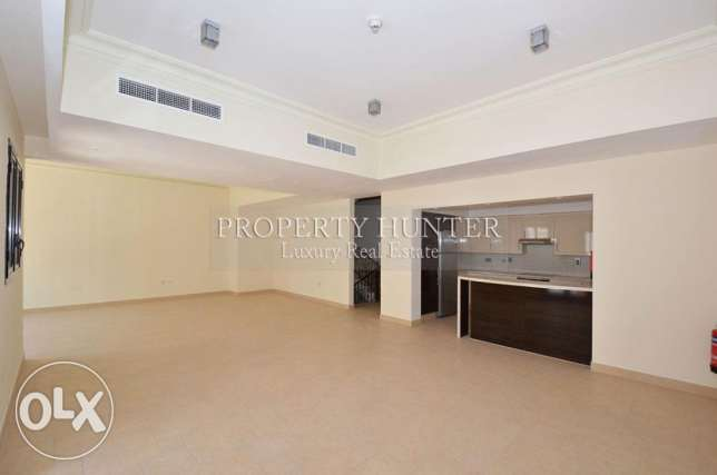 Two bedrooms massive townhouse with nice views الؤلؤة -قطر -  1