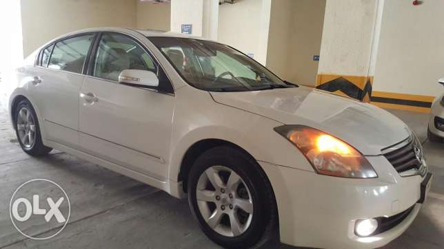 Super Clean Nissan Altima for Sale!