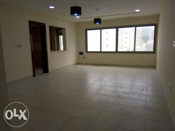 Spacious 3 Bedrooms flat in Bin Mahmood