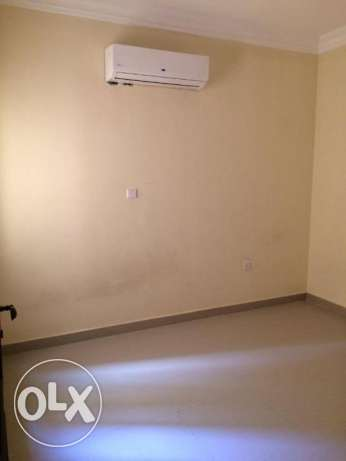 UNFURNISHED, 2bhk flaat in Madinat Khalifa nice and big one