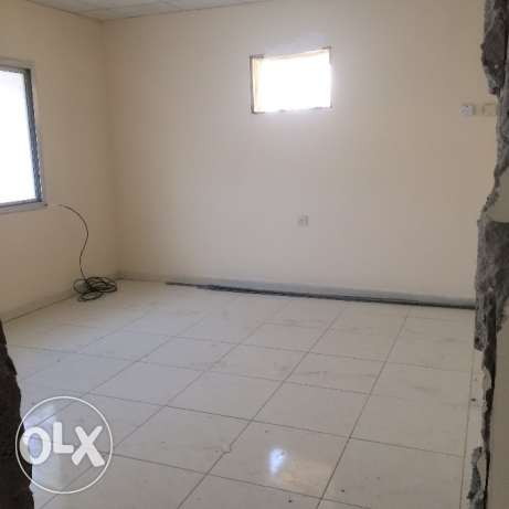 Spacious 1 bhk &studio unfurnished villa in hilal for Asian family