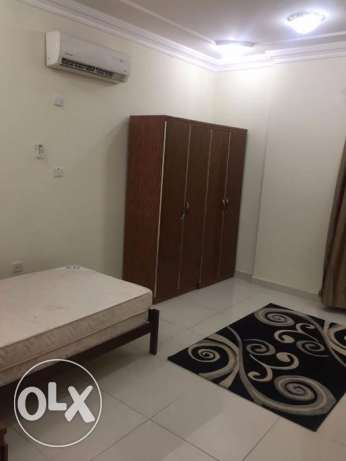 Qr.8000/- Only Al Sadd: 03 BHK Semi Furnished flat