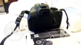 Canon eos 700d efs18-135stm with bag and box in an excellent cindition