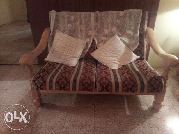 7 Seater Sofaset with 2 Side Table and 1 Center Table for Sale