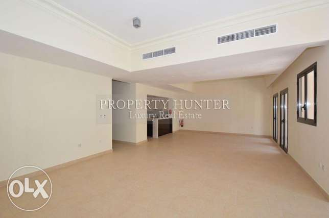 Two bedrooms massive townhouse with nice views الؤلؤة -قطر -  2