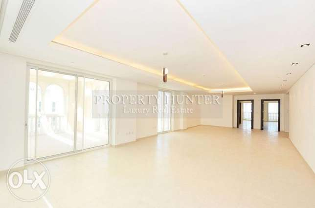 2+Maid Penthouse with Pleasant Views