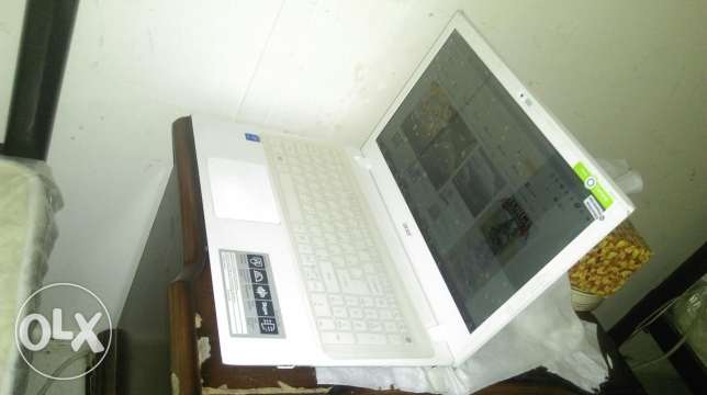 acer IntelCor i3 4gd rem 500 GB HDD 15.6 inc