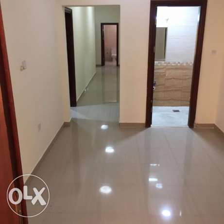 Roomz Available *4 Bhk Family Flat Bin Dirham*