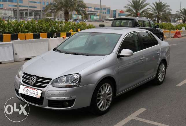Volkswagen - Jetta - 2011 - Full Options