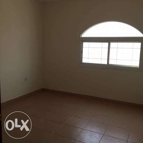 unfurnished 3-Bhk Flat in AL Nasr النصر -  7