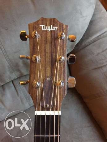 Taylor 214ce - Natural Grand Auditorium - w/ Case & Great Condition مطار الدوحة -  5