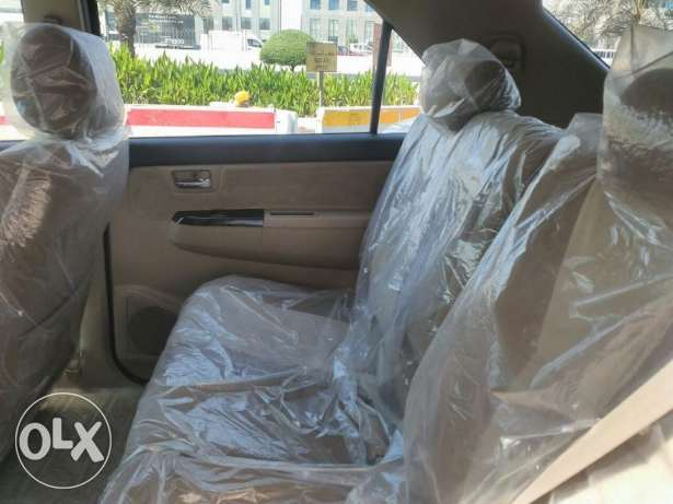 Brand new Toyota - fortuner - 2015 - 6 Cyl الريان -  5
