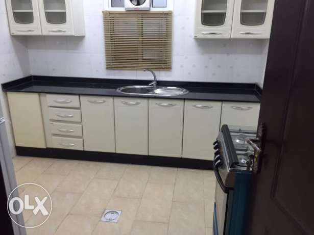 to rent:- 03 bhk FF flat Bin Mahmoud (included water& elec)