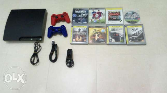 PS3+2 controllers+ 8 games no