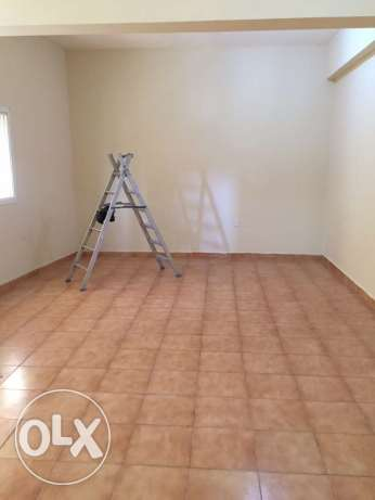 Semi Furnished 2-Bhk Flat in Fereej Bin Mahmoud فريج بن محمود -  1