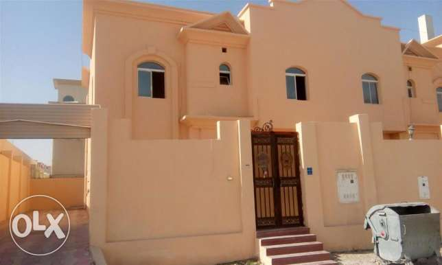unfurnished 7 bed villa at Thumama