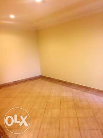 2-BHK Unfurnished Flat in Al Sadd - [Near Wyndham Hotel] السد -  8
