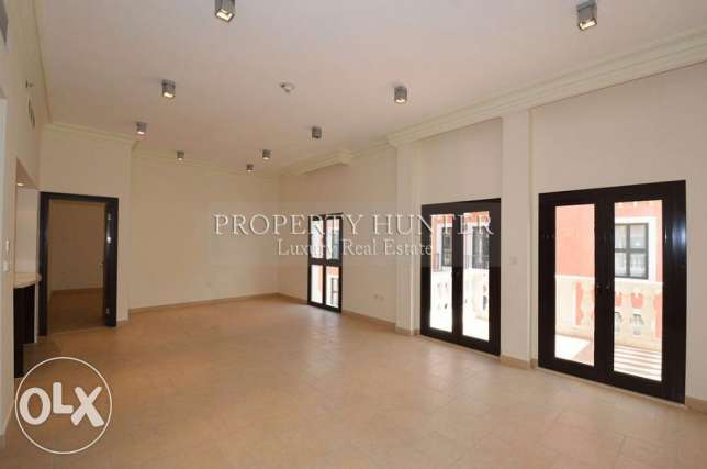 3 Bed apartment with beautiful canal views الؤلؤة -قطر -  1