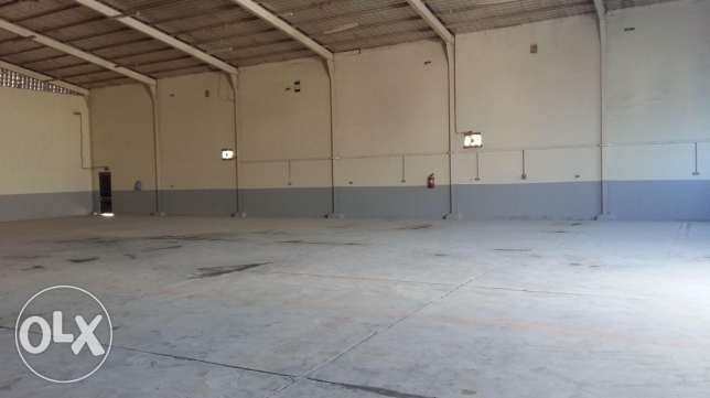 400 sqm warehouse for rent
