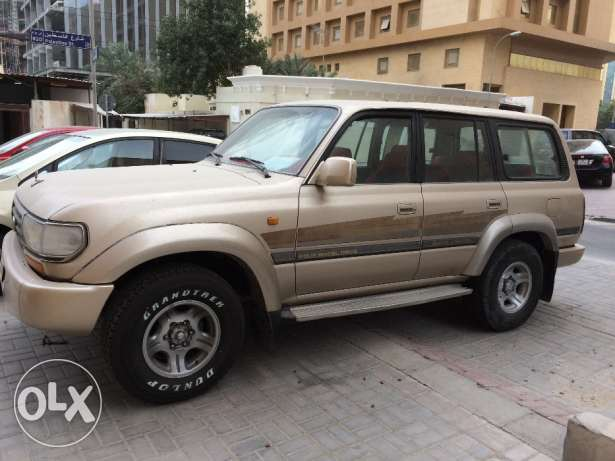 Toyota land cruiser 1997 model sale 18,000qr