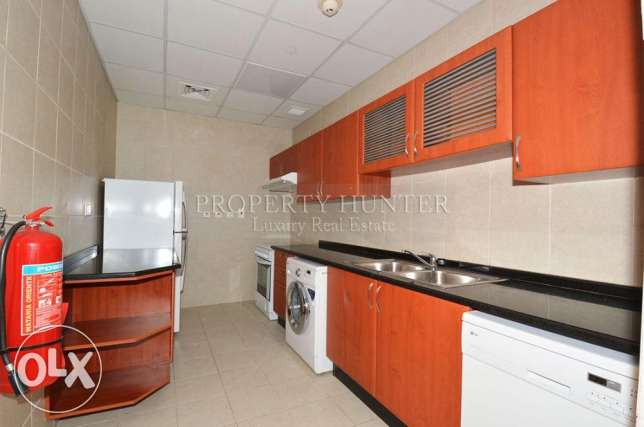 Furnished 2 Bed in Famous Zig Zag Towers الخليج الغربي -  5