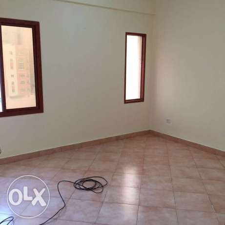 Unfurnished 3-Bedrooms Apartment in Fereej Bin Mahmoud فريج بن محمود -  7