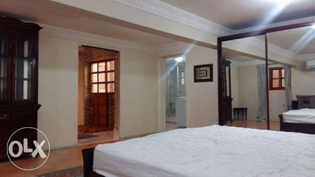 Fully Furnished 1 BHK Out house In A Luxury Villa at Dafna الدفنة -  2