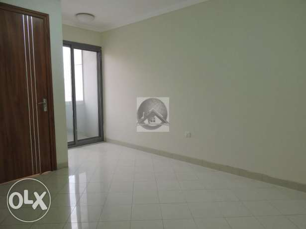 Modern and bright two bedroom apartment in Old airport المطار القديم -  3