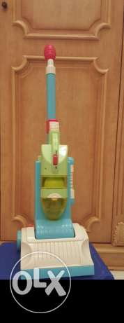 Vacuum cleaner toy from elc