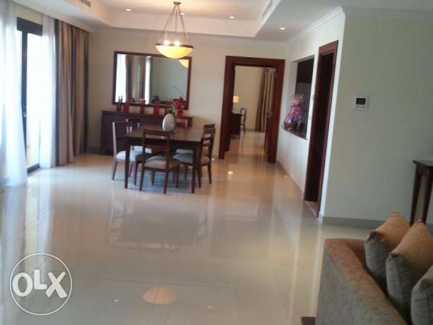 Beautiful & Luxurious F/F 2 B/R flat with office Room in Pearl Qatar
