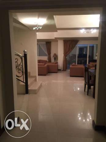 RAYBHR1 - Fully Furnished Luxury 3 BR Apartment with Great Amenities