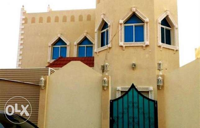 for executive bachelor-very nice 8 bed villa with pent house