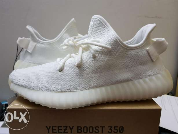 YEEZY triple white size 8us