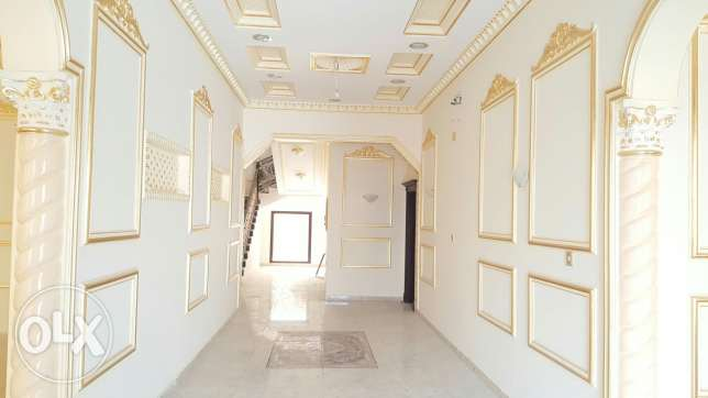 Luxurious 6 bedroom brand new Villa for sale عين خالد -  4